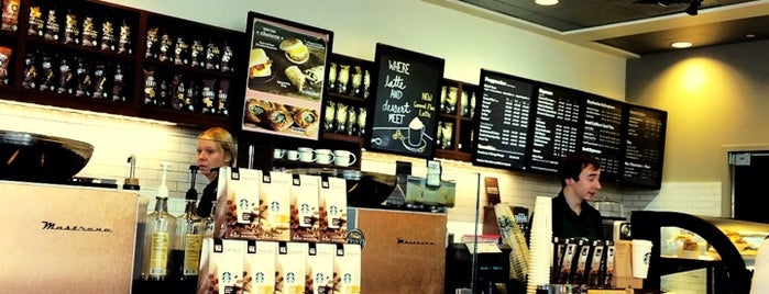 Starbucks is one of Lieux qui ont plu à Krzysztof.
