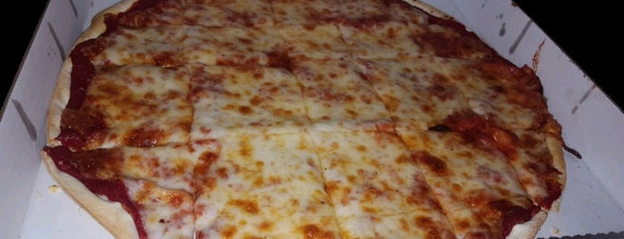 Dulono's Pizza is one of Lugares favoritos de Stuart.