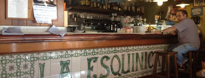 La Esquinica is one of Almost Locals em Barcelona.