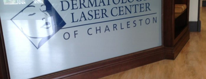 Dermatology and Laser Center of Charleston is one of Kristin 님이 좋아한 장소.