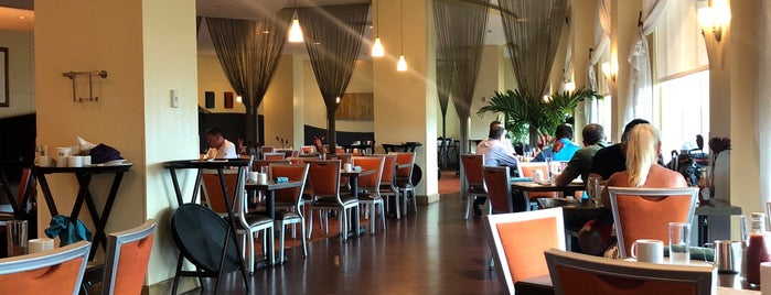 Boulevard Cafe is one of สถานที่ที่ Wendy ถูกใจ.