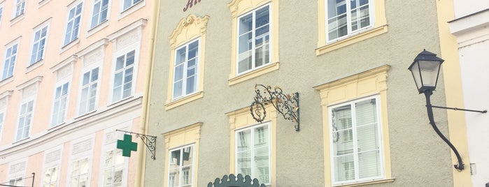 Alte Fürst-ErzbischöflicheHofapotheke is one of Around The World: Europe 4.