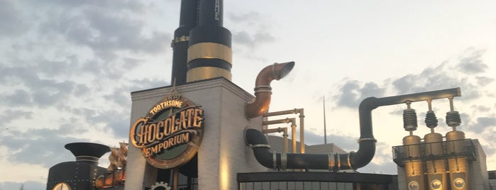 Toothsome Chocolate Emporium and Savory Feast Kitchen is one of Orte, die Ishka gefallen.