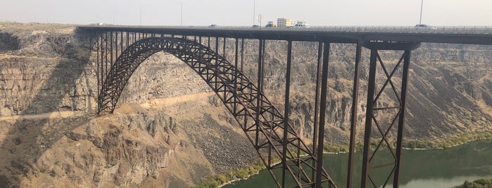 Perrine Bridge Scenic Overlook is one of Tempat yang Disukai IrmaZandl.