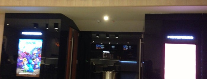 Cinemark Sala Premier is one of Locais curtidos por Vane.
