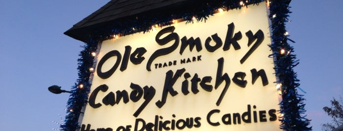 Ole Smoky Candy Kitchen is one of Locais curtidos por AJ.