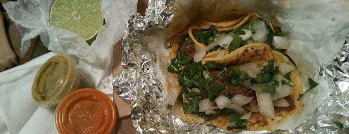 Tacos Tierra Caliente is one of Orte, die Mike gefallen.