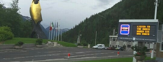 Hotel Express Aosta is one of Tempat yang Disukai Anthony.