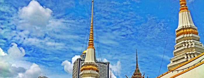 วัดยานนาวา is one of Bangkok Life Style.