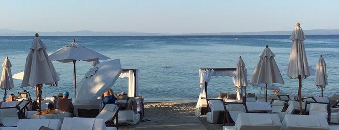 Achinos Beach is one of Locais curtidos por Athi.