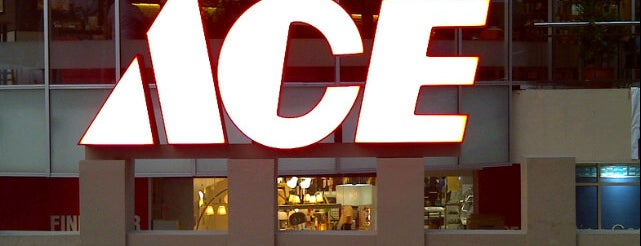 ACE Hardware is one of Özlem 님이 좋아한 장소.
