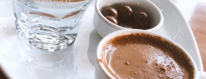 Kahve Deryası is one of สถานที่ที่ Çiçek ถูกใจ.