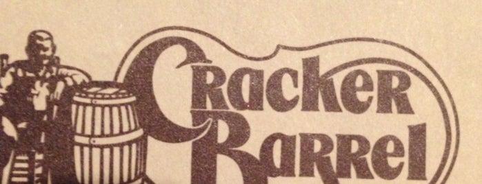 Cracker Barrel Old Country Store is one of Sarah'ın Beğendiği Mekanlar.