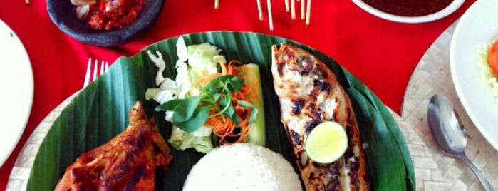 Ulam Balinese & Seafood Restaurant is one of Must-visit Food in Bali.
