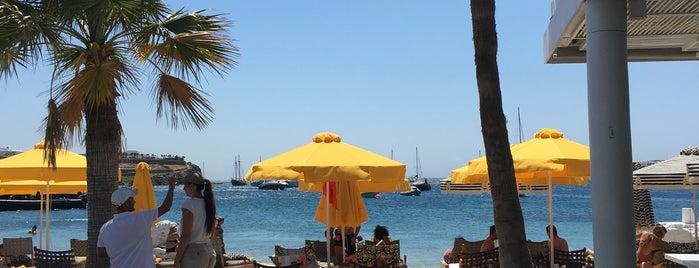 Ornos Beach is one of Locais curtidos por Abdullah.