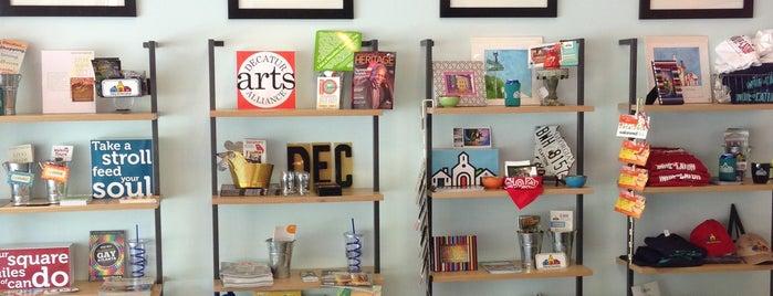Decatur Visitors Center is one of Posti che sono piaciuti a Chester Thrash.
