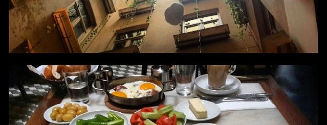 Şimdi Cafe is one of İstanbul'daki Salaş Mekanlar.