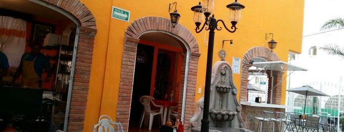 La casa de Kike is one of สถานที่ที่ Zigêl ถูกใจ.