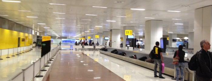 Aéroport de São Paulo / Guarulhos (GRU) is one of Meus Favoritos.