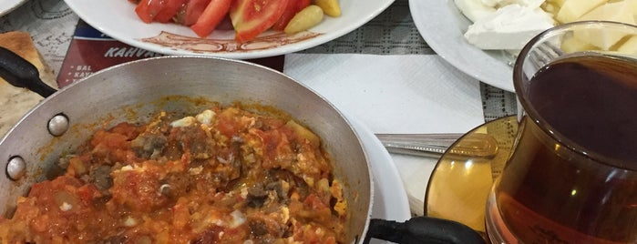 Akan kahvaltı salonu is one of Posti che sono piaciuti a Zafersyk.