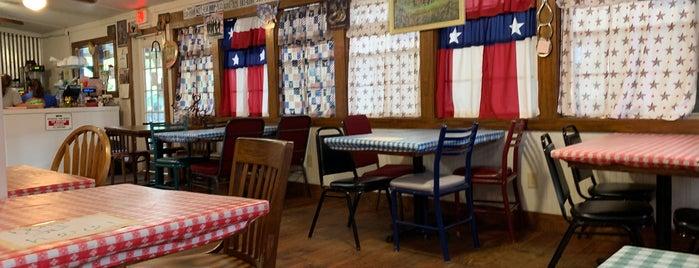 Manny's Cafe is one of Lieux qui ont plu à Mark.