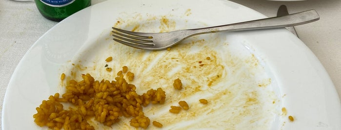 Maestral Restaurante is one of Los mejores arroces de Alicante.
