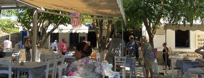 Taverna Volax - Tinos is one of Lugares favoritos de Lina.