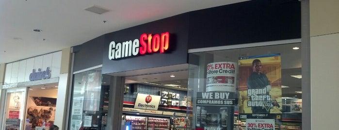 GameStop is one of Michael 님이 좋아한 장소.