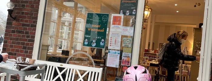 Café par ici is one of Hamburg's cosiest Cafés ☕️💕.