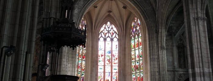 Église Saint-Pierre is one of IG Bdx.