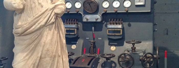 Centrale Montemartini is one of Rome (Roma).
