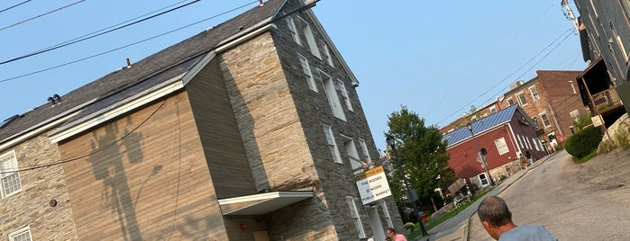 Old Stone Mill is one of สถานที่ที่ Lina ถูกใจ.