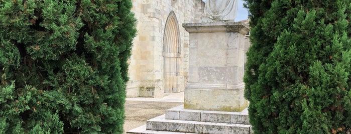 Auvillar is one of Les plus beaux villages de France.