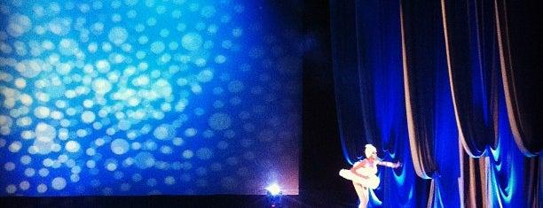 Teatro Esperanza Iris is one of Locais curtidos por Eduardo.
