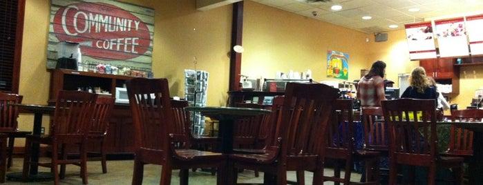 CC's Coffee House is one of Locais curtidos por Lillian.