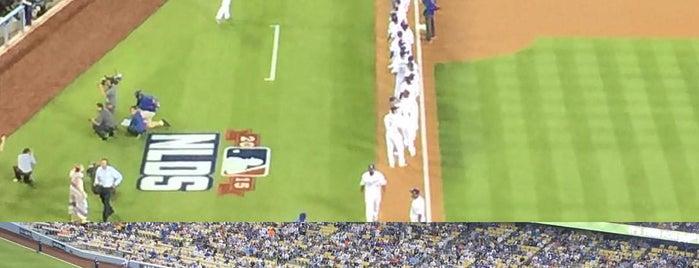 Dodger Stadium is one of Posti che sono piaciuti a Jason.