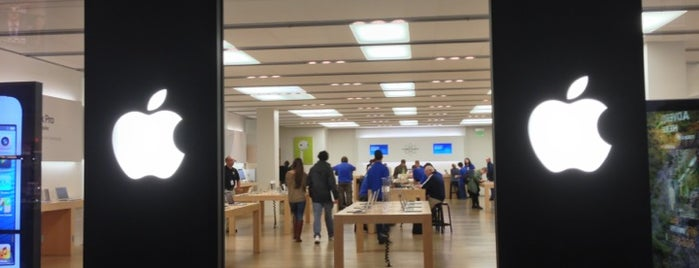 Apple CambridgeSide is one of Posti che sono piaciuti a Al.