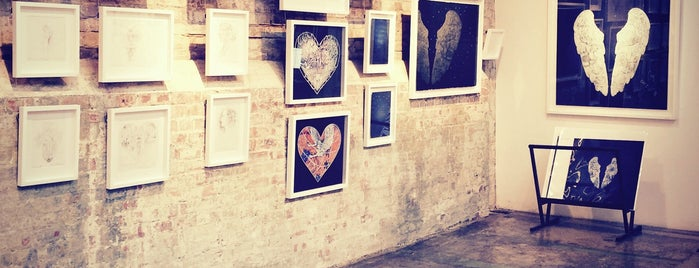 Stolen Space Gallery is one of Let's go to London!.