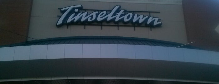 Cinemark Tinseltown 17 is one of Lugares guardados de Janet.