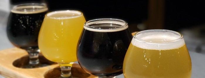 Big Stump Brewing Co. is one of Locais salvos de Paresh.