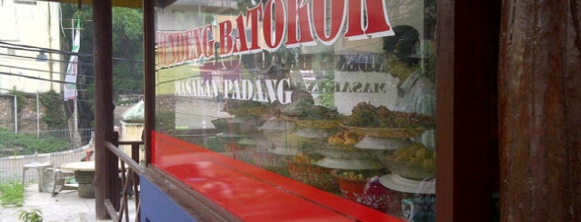 Warung Nasi Dendeng Batokok is one of Locais curtidos por Uda Aank.
