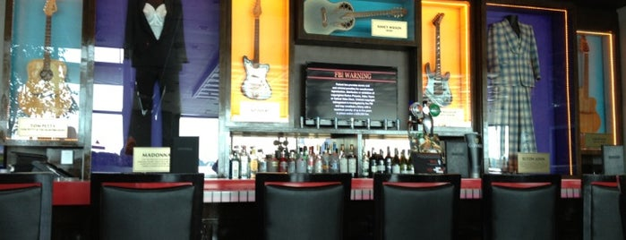 Hard Rock Cafe is one of Elena's Liked Places.