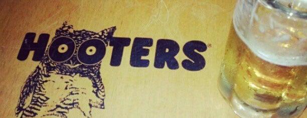 Hooters is one of Restaurantes e Bares em São Paulo.