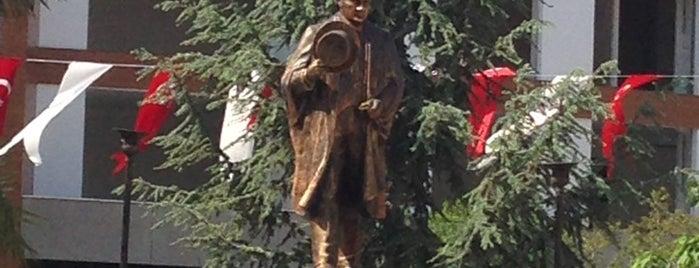 Cumhuriyet Meydanı is one of Lieux qui ont plu à Nihat.