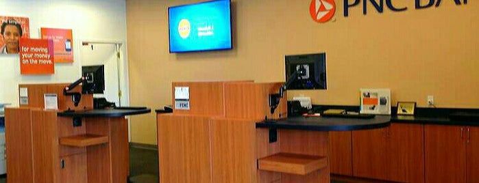 PNC Bank is one of Lugares favoritos de Colleen.
