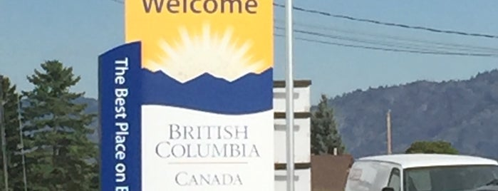 British Columbia Visitor Centre @ Osoyoos is one of Tempat yang Disukai Simon.