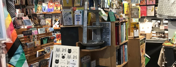 Outsider Comics and Geek Boutique is one of Lieux qui ont plu à Dat.