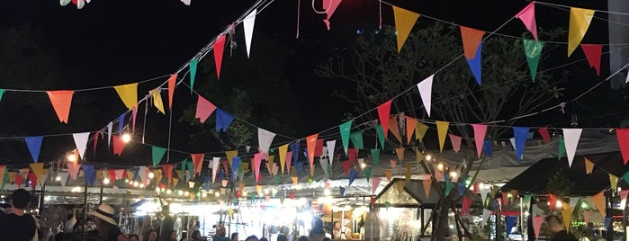 Ploen Rudee Night Market is one of Awesome Chiang Mai.