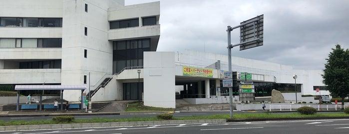 市原市市民会館 is one of Lugares favoritos de Yutaka.