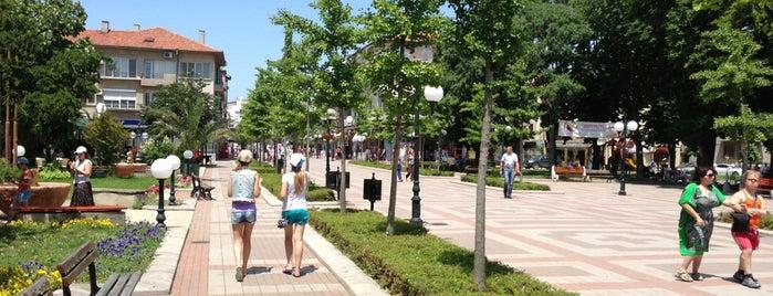 Поморие Стар град - център (Pomorie Old Town Downtown) is one of Posti che sono piaciuti a 83.